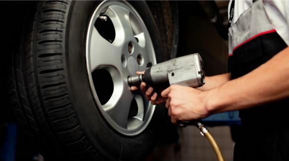 Шиномонтаж и балансировка колес до R24 или диагностика, чистка и заправка кондиционера