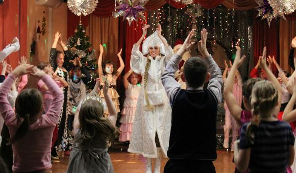 Билеты на новогоднее представление «Новогодний переполох» + детский подарок