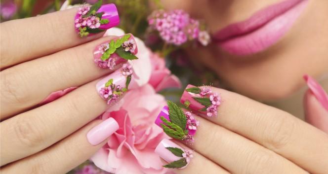 дизайн ногтей в Салон красоты «У подруг»