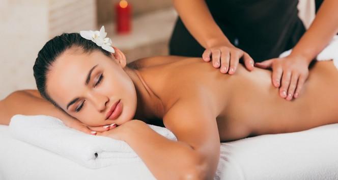Скидка 50% на все виды массажа в Студия красоты и загара «Мулатка»