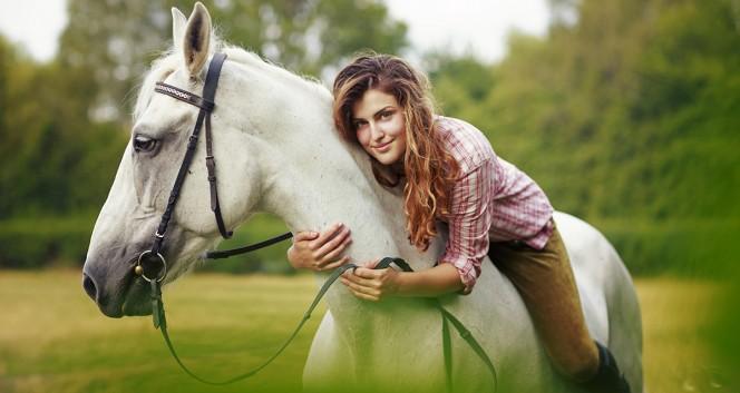 Скидки до 74% на конные прогулки, фотосессию в Марфино в Частный конный клуб «Усадьба» в Марфино