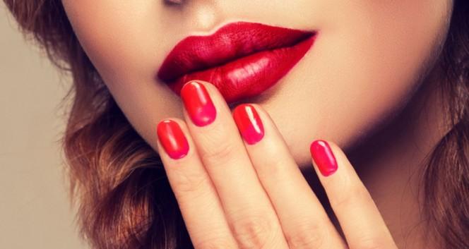 Скидки до 75% на ногтевой сервис в центре в Салон красоты «Моника»