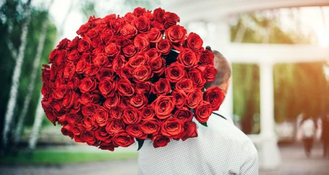 Скидки до 75% на розы от салона цветов «Цветы Экспресс» в Салон цветов «Цветы Экспресс»